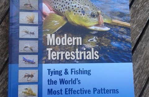 Reseñas de libros: Modern Terrestrials, tying and fishing the world's most effectivepatterns
