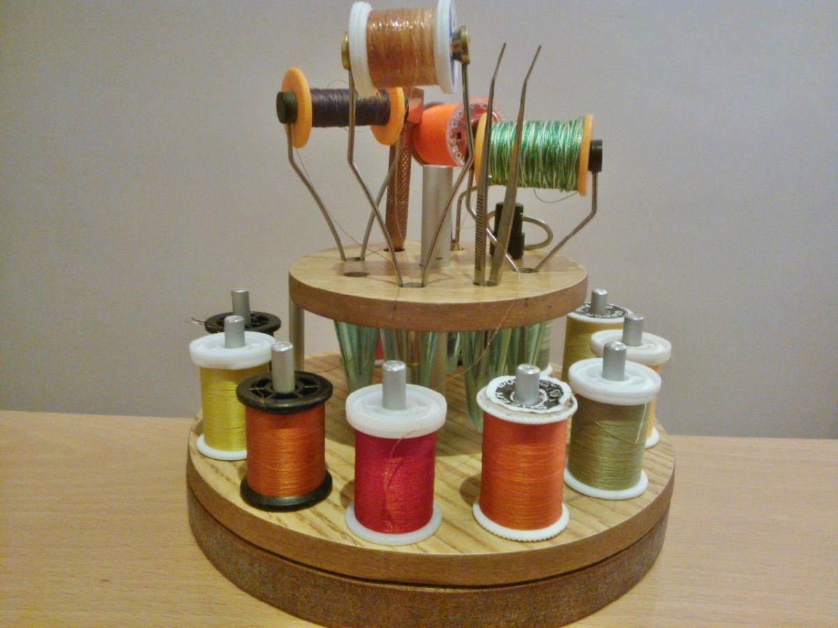 Paso a paso para un organizador de hilos y herramientas de montaje de moscas