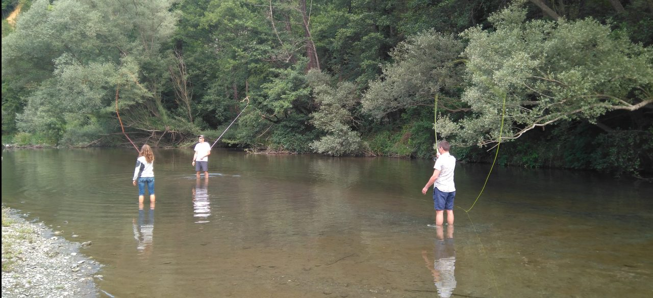 Acompañando en el proceso de aprendizaje de la pesca conmosca